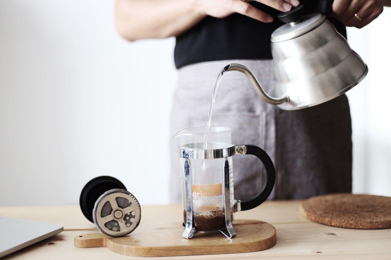 32 pha cà phê bình thường Báo chí Pháp