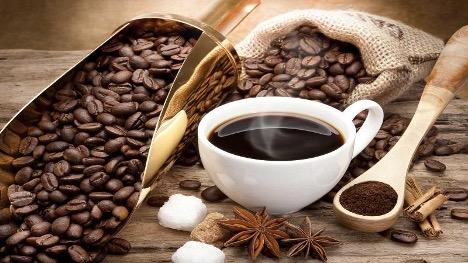 Thưởng thức cà phê Bourbon.